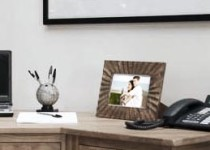 past-relationship-photo-picture-frame-on-desk
