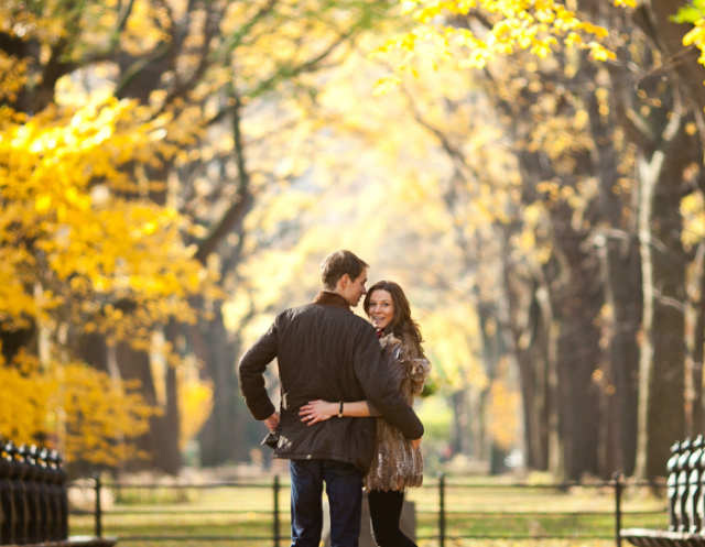 Fall Dating: What to Do & What to Wear!